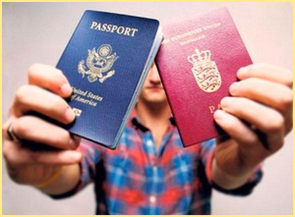 Человек с двумя паспортами