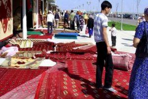 На культурную жизнь и традиции посильное влияние оказывает ислам