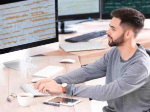 - системный программист – от шестидесяти до ста двадцати тысяч;